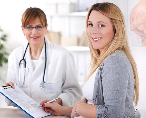 OBGYN with pregnant patient